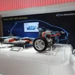 Для демонстрации устройства электромобиля Renault распилил ZOE
